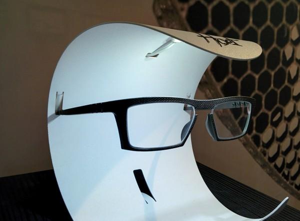 Hoet, world's first 3D printed titanium eyewear