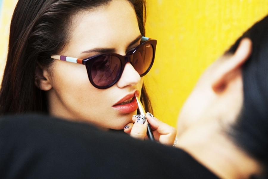 e3c5c867813 Vogue-Eyewear-Adriana-Lima-Behind-the-Scenes-Spring-