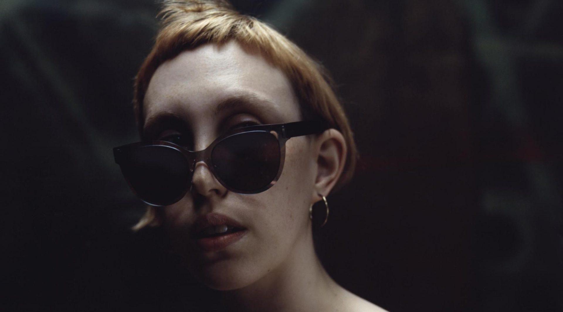 Mcq- Alexander-Mcqueen-Eyewear-Glasses-Acessories