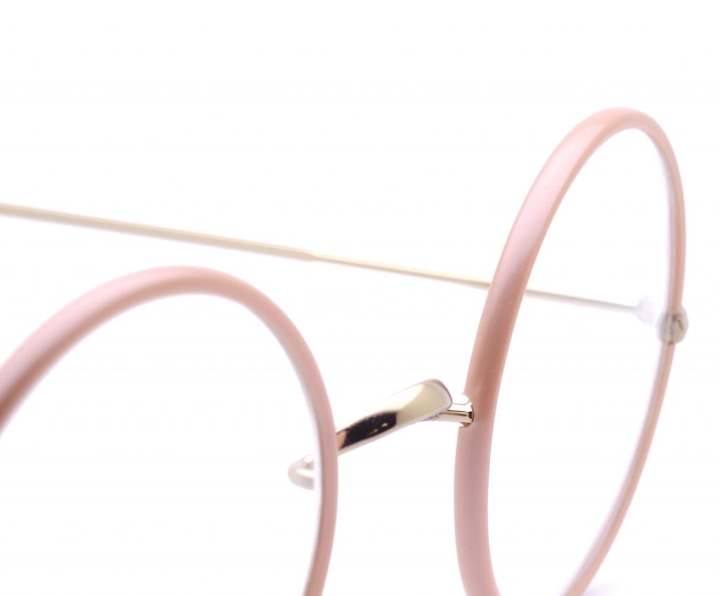 101Windsor_ShinyGold_PearlPinkAcetateWindsor_Zoom