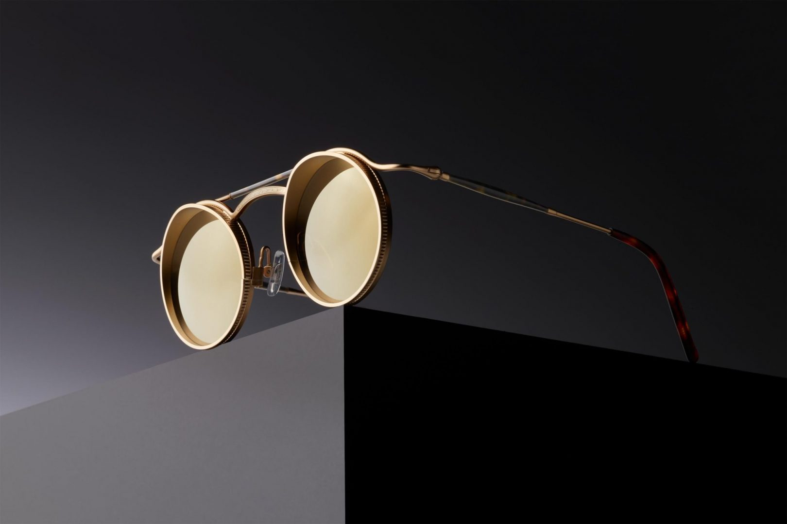 You Can't Miss These Mens Glasses Trends Shop Sunglasses Designer Trend Best Matsuda