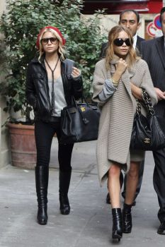 Mary Kate & Ashley Olsen Sunglasses Styles Over The Years Celebrity Glasses